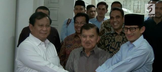 Prabowo Subianto-Sandiaga Uno bertemu dengan Wakil Presiden Jusuf Kalla. Pertemuan singkat dan tertutup ini Prabowo-Sandi meminta restu untuk maju sebagai capres dan cawapres di Pilpres 2019 mendatang.