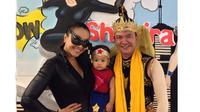 Denada, Jerry Aurum dan putri [Foto: Instagram Denada]