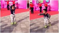 Balita seumurnya belum bisa diajarkan menari seperti para penari profesional. Balita itu diduga memiliki bakat alamiah. (Sumber gabungry)