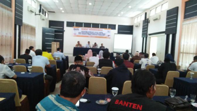 Rapat koordinasi dengan KPU Kota Serang, Banten, Kamis (21/03/2019). (Liputan6.com/Yandhi Deslatama)