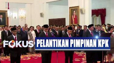 Usai dilantik Presiden Jokowi, para pimpinan dan dewan pengawas KPK yang baru langsung mendatangi Gedung KPK untuk melaksanakan serah terima jabatan.
