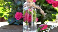 Ilustrasi rose water (dok. Pixabay.com/silviarita/Putu Elmira)