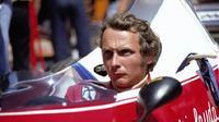 Niki Lauda saat masih aktif menjadi pembalap Formula 1. (Total Sportek)