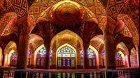Masjid Nasir al-Mulk, Kota Shiraz, Iran. (Sumber: amazingplaces.com)