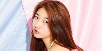 Bae Suzy merupakan salah satu idol Korea Selatan yang multi talenta. Sejak debutnya, ia memang berhasil mencuri perhatian publik. (Foto: instagram.com/skuukzky)