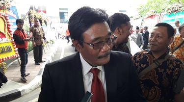 Mantan Wagub DKI Jakarta Djarot Saiful Hidayat menghadiri pelantikan anggota DPRD DKI Jakarta periode 2019-2024, Senin (26/8/2019).
