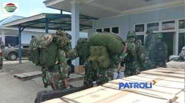 Anggota Polri dan TNI diterjunkan untuk evakuasi korban penembakan kelompok kriminal bersenjata di papua.