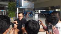 Wali Kota Bogor Bima Arya di Terminal 3 Kedatangan Internasional Bandara Soekarno Hatta, Senin (16/3/2020). (Liputan6.com/Pramita Tristiawati)