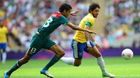 Alexandre Pato kini juga sudah kembali dipercaya mengisi skuat dari timnas Brasil. (AFP/Martin Bernetti)