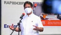 Menteri Kesehatan RI Budi Gunadi Sadikin memberi keterangan pers terkait kedatangan 6 juta bahan baku (bulk) vaksin Sinovac di Bandara Soekarno-Hatta, Tangerang, Banten, Minggu, 18 April 2021. (Biro Pers Sekretariat Presiden RI)