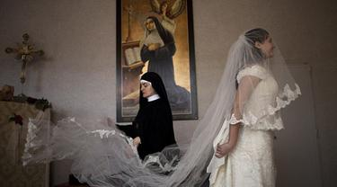 St Rita Monastery for Wedding Gown 0814 1