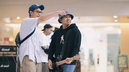 Cowok kelahiran 3 November 1992 di Surabaya terkenal berkat lagunya berjudul Air atau sering dikenal diobok-obok. (Liputan6.com/IG/@jojosuherman)