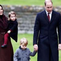 Pangeran William dan Kate Middleton bersama dua anak mereka, Pangeran George dan Putri Charlotte (Andrew Matthews/AP Photo)