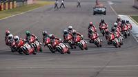 Pebalap Astra Honda Racing Team (AHRT) kembali merebut poin pada balapan kedua seri perdana Asia Talent Cup 2017 di Sirkuit Buriram, Thailand, Minggu (12/3/2017). (Instagram/AHRT)