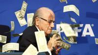 Simon Brodkin Sindir Blatter (AFP)