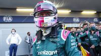 Menempati starting grid ke-11, perjalanan Sebastian Vettel untuk meraih juara dua di GP Azerbaijan sangatlah mengejutkan. Ia berhasil merebut posisi dua dari Hamilton, ketika pembalap Inggris itu melakukan kesalahan keluar lintasan untuk menyalip Perez. (Foto: AFP/Pool/Maxim Shemetov)