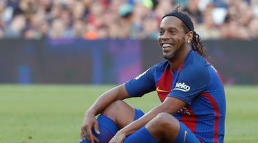 Pesepak Bola dengan Prestasi Menawan yang Gemar Tebar Senyuman