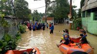 Banjir di Kota Tangerang (Liputan6.com/ Pramita Tristiawati)