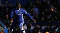 Manajer Arsenal, Arsene Wenger, ternyata sudah lama menganggumi sosok gelandang Chelsea, N'Golo Kante. (AFP/Adrian Dennis)