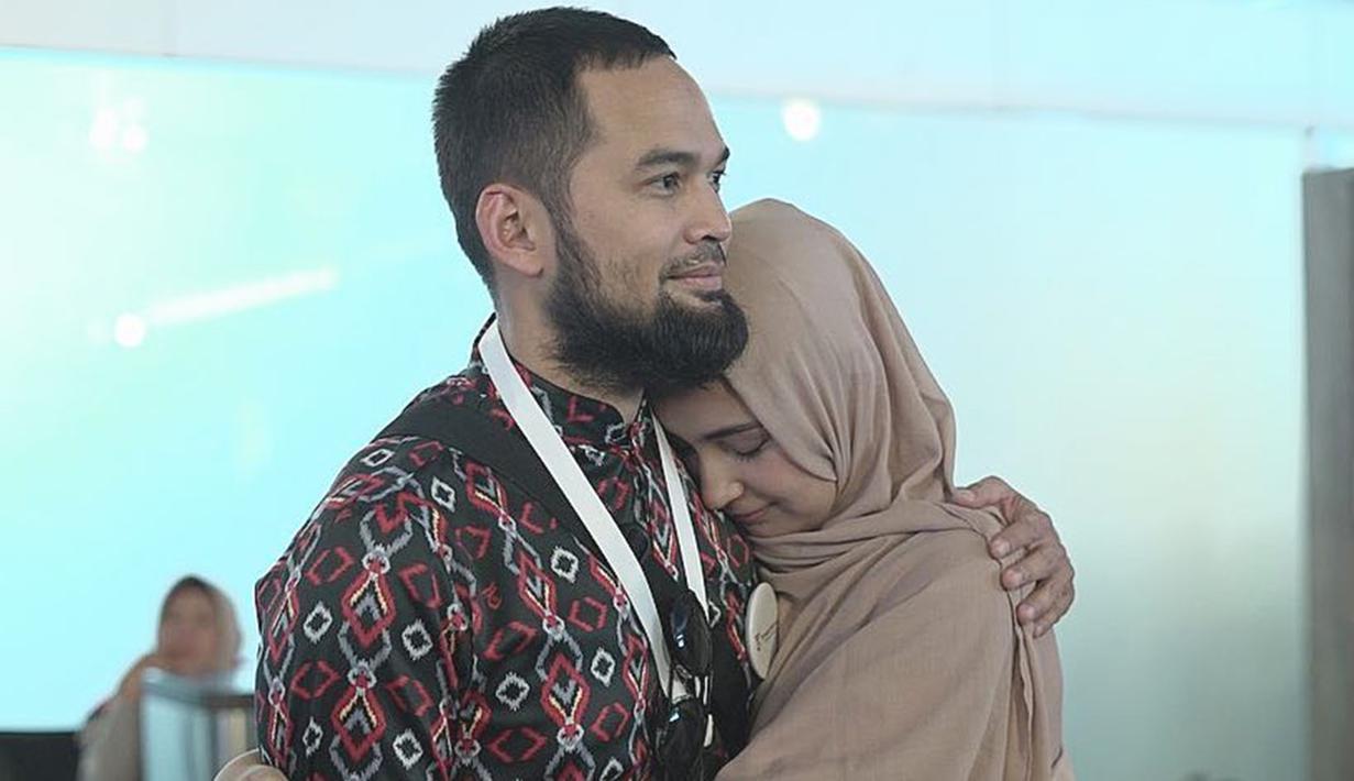 Menikah di tahun 2013 silam, pasangan yang beda usia 7 tahun ini dikenal adem ayem dan harmonis. Keduanya juga selalu terlihat mesra dalam berbagai kesempatan. (Liputan6.com/IG/shireensungkar)