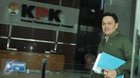 Farhat Abbas usai menjalani pemeriksaan di Gedung KPK, Jakarta, Rabu (26/4). (Liputan6.com/Helmi Afandi)
