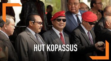 Mantan Danjen Kopassus Prabowo Subianto, dan mantan Panglima TNi Gatot Nurmantyo menghadiri peringatan HUT Kopassus yang ke-67.