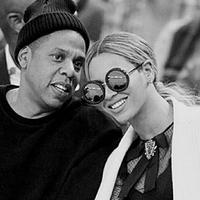 Demi kesehatan dan keselamatan sang istri, kabarnya Jay-Z menyewa jasa perawat untuk mengawasi Beyonce setiap saat, yakni 24 jam 7 hari. Jay-Z tak ingin ada hal berbahaya terjadi pada istri dan calon anaknya nanti. (Instagram/beyonce)