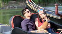 Tistha Nurma dan Dikta Wicaksono syuting film Romansa: Gending Cinta di Tanah Turki (Liputan6.com/Rommy Ramadhan)