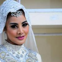 Lagu Wulan Merindu melambungkan nama Cici Paramida. (via yiela.com)