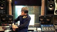G-Dragon mengungkapkan rahasia suksesnya sebagai pengarang lagu yang bisa membuat karya yang enak didengar. Seperti apa ceritanya?