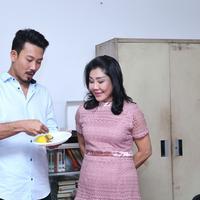 Denny Sumargo menganggap bahwa sang ibu adalah perwakilan Tuhan. (Nurwahyunan/Fimela.com)