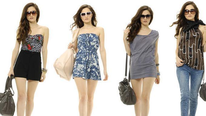 8 Tips Fashion Untuk Wanita Bertubuh Mungil - Beauty Fimela.com eed19901a6