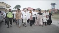 Menteri BUMN Rini Soemarno bersama KH. Ma'ruf Amin melakukan peletakan batu pertama (Groundbreaking) proyek pengembangan Pondok Pesantren An Nawawi Tanara (Foto: Dok Kementerian BUMN)