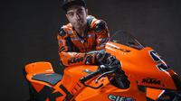 Danilo Petrucci bersama motor tim Tech3 KTM Factory Racing untuk MotoGP 2021. (Twitter/Tech3 Racing)