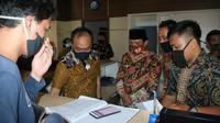 Wakil Wali Kota Bengkulu Dedy Wahyudi ingin pelayanan di Dinas Dukcapil  mengadopsi sistem pelayanan seperti Perbankan. (Liputan6.com/Yuliardi HArdjo)