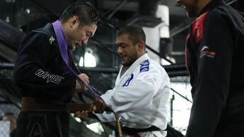 One Championship: Chatri Sityodtong Dapat Sabuk Cokelat Brazilian Jiu-Jitsu