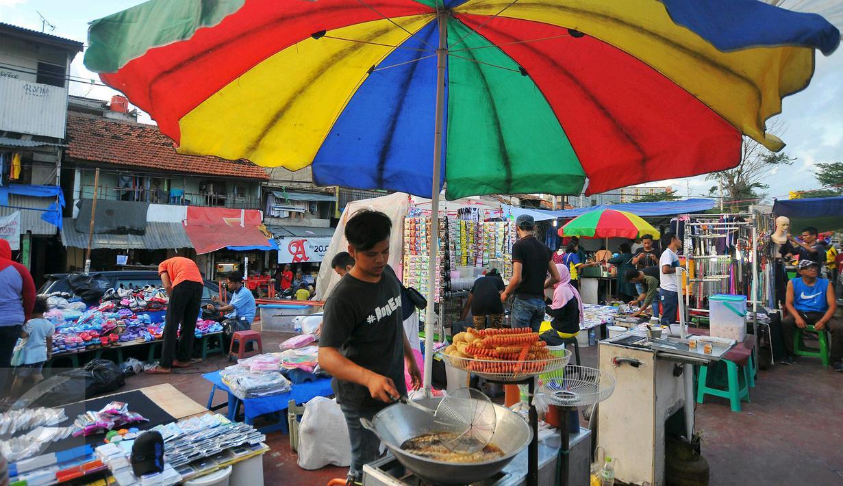 Pasar Malam Jadi Alternatif Belanja Rakyat Menengah ke