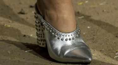 Sepatu di New York Fashion Week 2017