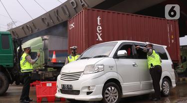 Polisi Putar Balikkan Kendaraan yang Nekat Mudik di Gerbang Tol Cikupa