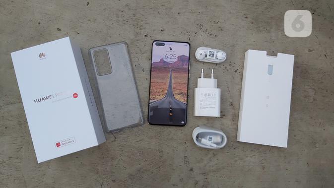 Kelengkapan boks penjualan Huawei P40 Pro. Liputan6.com/Iskandar