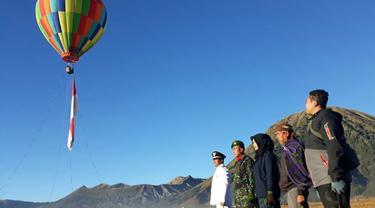 Balon Udara Gunung Bromo