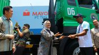 PT Mayora Indah Tbk melepas ekspor kontainer perdana le minerale ke Singapura. (Foto: Liputan6.com/Dian Kurniawan)