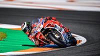 Pebalap Ducati, Jorge Lorenzo saat menukangi GP17 musim lalu (Twitter/@DucatiMotor)