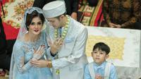 Rifky Balweel dan Biby Alraen kini tengah berbahagia lantaran sudah resmi menjadi sepasang suami istri. Minggu, 7 Januari 2018, pernikahan berlangsung di Masjid PTIK, Kebayoran Baru, Jakarta Selatan. (Adrian Putra/Bintang.com)