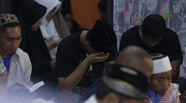 7 Momen Tahlilan Mendiang Lina, Sule Tak Kuasa Tahan Tangis