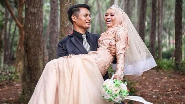 Beda Usia 12 Tahun, Guru dan Murid Akhirnya Menikah Berkat Instagram