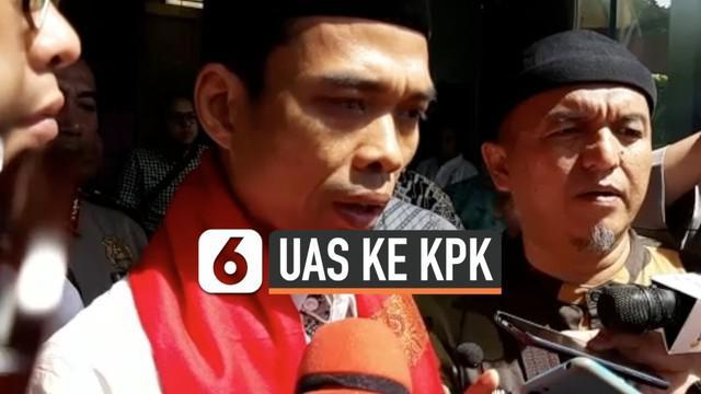 Ustaz Abdul Somad (UAS) mendatangi Gedung Komisi Pemberantasan Korupsi (KPK), Selasa (19/11). Kedatangan UAS untuk memberikan ceramah di hadapan karyawan lembaga antirasuah.