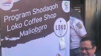 Loko Coffee Shop Malioboro merayakan ulang tahun pertama dengan program Menu Sodaqoh (Liputan6.com /Switzy Sabandar)