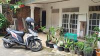 Kediaman rumah ZA di gang Taqwa RT3/10, Kelurahan Kelapa Dua Wetan, Kecamatan Ciracas, Jakarta Timur. (Liputan6.com/Dicky Agung Prihanto)