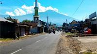 Penampakan Gunung Slamet dari Karanglewas, Banyumas. (Foto: Liputan6.com/Muhamad Ridlo)